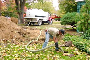 septic tank pumping service
